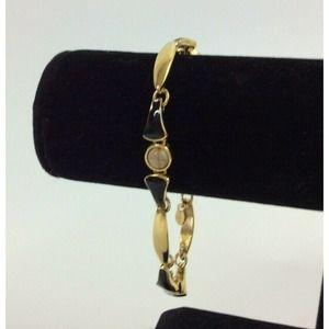 Monet Vintage Ladies Bracelet Gold Black Enamel